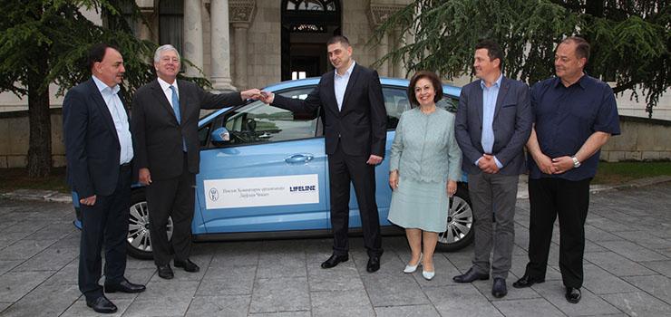 Kraljevski par uručio vozilo Domu zdravlja Nova Varoš