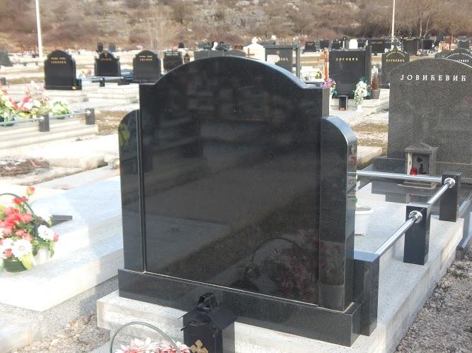 Članu Opštinskog veća plene imovinu zbog grobnice