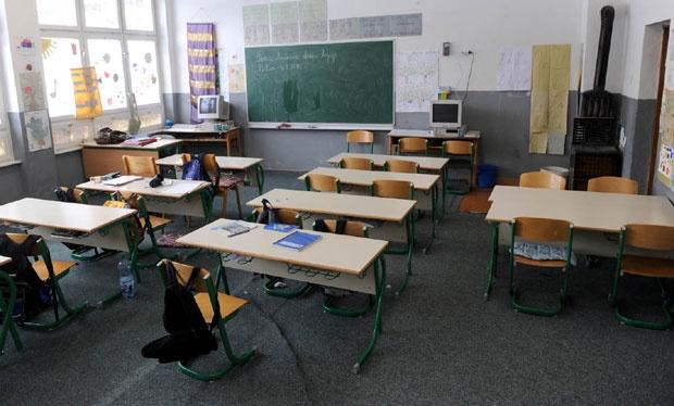 Škole otpuštaju domare i ložače, primaju psihologe
