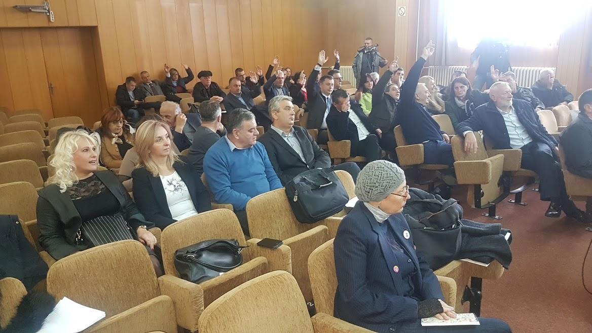 Prijepolje: Burno skupštinsko zasedanje, teške reči i optužbe