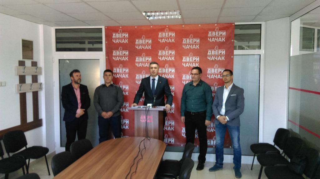 Konferencija za novinare Dveri održana u Čačku, prisustvo je i Slaviša Purić, novi zamenik predsednika opštine Nova Varoš